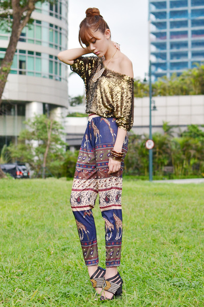 SM GTW pants - island girl necklace - Style Staple top - michael antonio heels