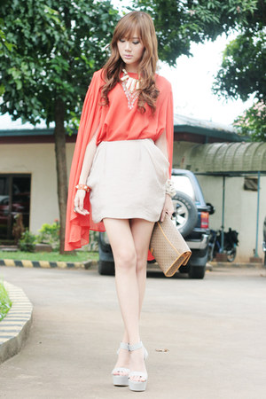 Oh my Frock blouse - orange leather Mauve bracelet - feet for a queen wedges