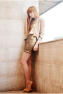 Tonic-shoes-tarte-blazer-butterfly-extreme-finds-necklace-the-berries-top