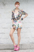Love Clothing romper - Viva La Gam heels - Mia Casa accessories