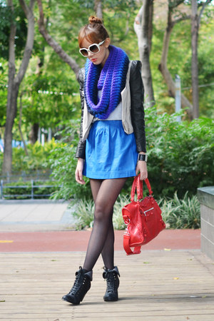 Rike Feurstein scarf