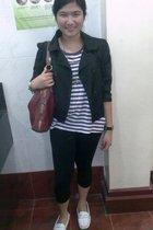 black random leggings - purple Zara t-shirt - white Sebago shoes - red liz claib
