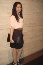 pink moms shirt - black Gaudi skirt - black