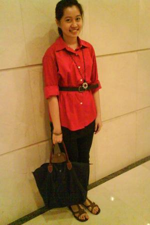 red moms shirt - black gogirl leggings
