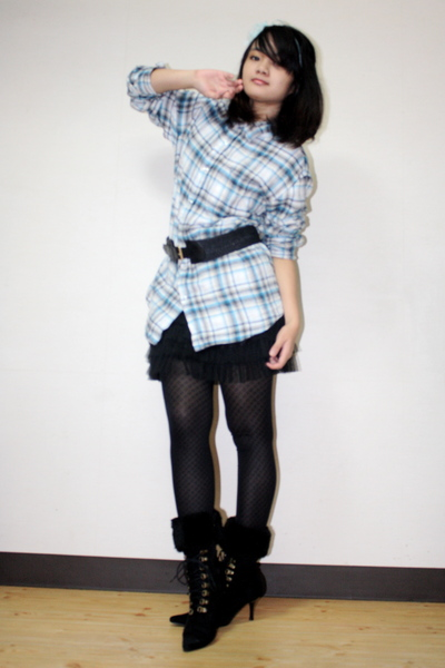 blue shirt - black Mango belt - black skirt - black Uniqlo tights - black boots