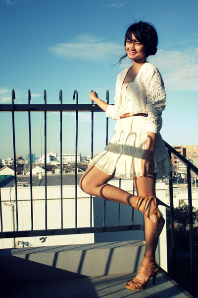 beige dress - white blazer - brown shoes - brown belt