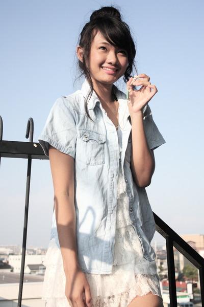 blue shirt - white dress - blue necklace
