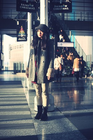 charcoal gray Topshop coat - gray Uniqlo hat - crimson Cinema Club scarf