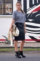 black Chanel boots - heather gray Bootlegger Market t-shirt