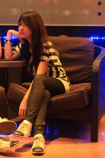 e69f992ab27f5b green Bazaar blouse - black Bazaar leggings - beige bowling shoes shoes -  black