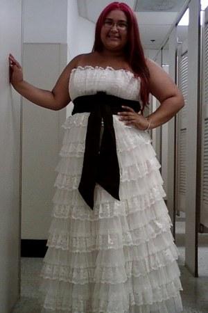 white unknown brand dress
