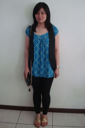 black random from Hong Kong vest - blue Esprit top - black H&M leggings - moms c