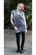 Forever 21 t-shirt - unknown leggings - sam edelman boots - handmade accessories