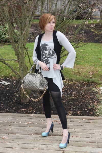 gray Spiral girl top - blue Spiral girl shoes - black HUE stockings