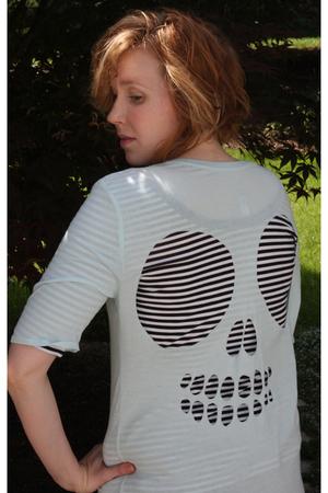 blue Target t-shirt - white Target t-shirt