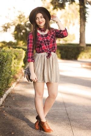 ruby red Aeropostale shirt - tan shiny Aeropostale skirt