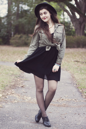 olive green Forever 21 shirt