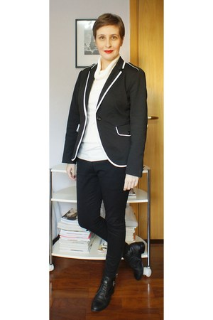 white Zara sweater - black corello boots - black Zara blazer
