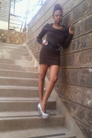 ring - heels
