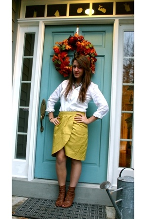 Anthropologie skirt - Jcrew shirt - sam edelman why does everyone have these all