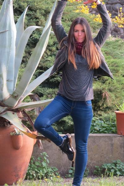 navy leather asos shoes - navy Stradivarius jeans - gray jacket