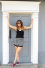 Black-zara-shirt-charcoal-gray-scuot-skirt-crimson-bata-sneakers