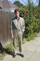 Brooks Brothers suit - banana republic shirt - Alden shoes