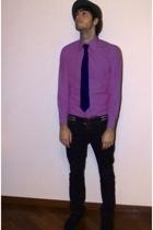 vintage shirt - Gucci belt - H&M pants - Hugo Boss tie - TODs shoes
