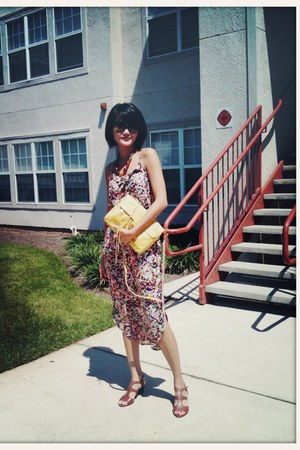 red flowery romwe dress - yellow mab clutch Rebecca Minkoff bag