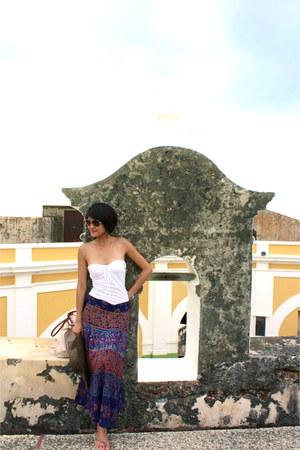 brown straw Gap hat - Havaianas sandals - white tube Victorias Secret top