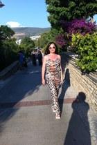 beige roberto cavalli sunglasses - tan H&M bodysuit