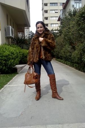 vintage coat - hotic boots