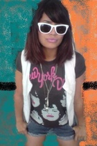 New yorks doll shirt - REPLAY jeans - NafNaf vest - Ray Ban glasses