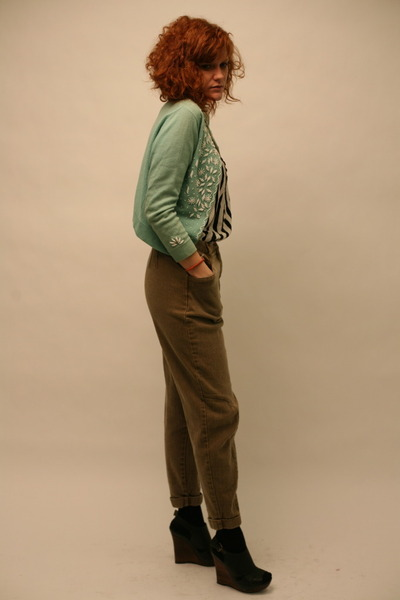 aquamarine vintage cardigan - white H&M blouse - light brown vintage jeans - bla