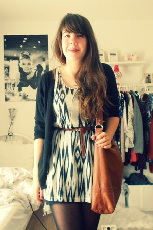 H&M dress - H&M bag - Secondhand cardigan - Primark belt