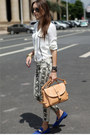 Neutral-satchel-catticatty-bag-forest-green-reptile-pants-blue-flats