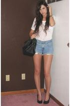 forever 21 t-shirt - Vintage Levis shorts - Target purse - forever 21 necklace -