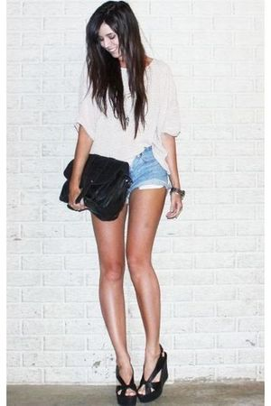 beige H&M sweater - blue vintage levis shorts - black asos purse - black Jeffrey