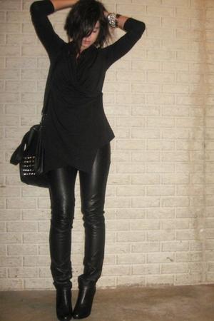 Forever 21 shirt - H&M divided black pants - Steve Madden boots - Zara purse - F