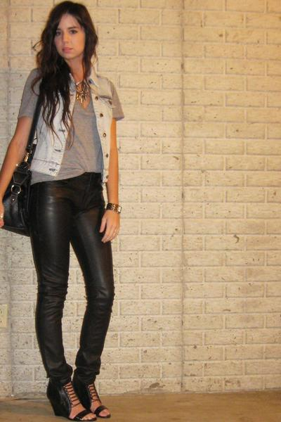 forever 21 vest - forever 21 t-shirt - H&M pants - Target purse - Aldo shoes - f