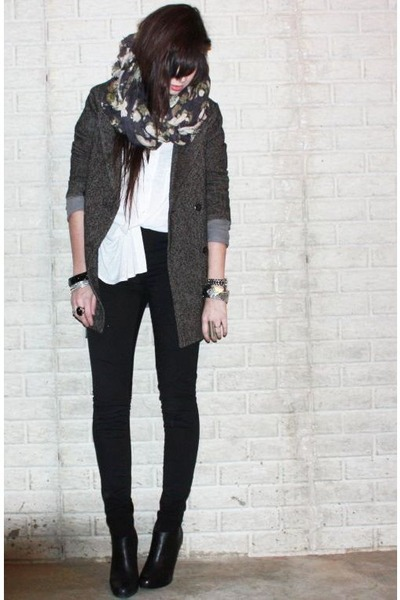 gray floral H&M scarf - black bootie Steve Madden shoes