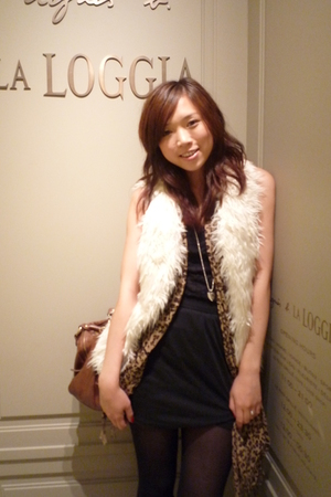 wish vest - No label from HK scarf - No label from HK top - American Apparel ski