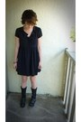 Black-motorcycle-buffalo-exchange-boots-black-silk-forever-21-dress