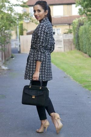 geo print Oasis coat - capri asos jeans - bowler ted baker bag