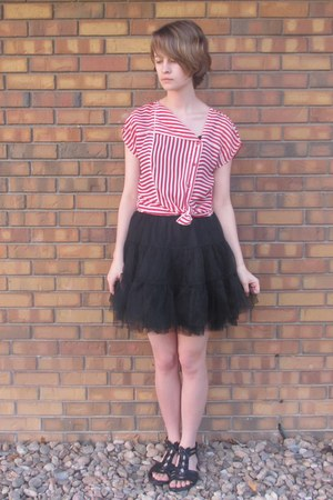 red thrifted shirt - black Ebay skirt - black Off Broadway sandals