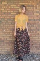 dark brown thrifted skirt - gold Forever 21 blouse - black Off Broadway sandals