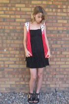 red cat print thrifted vest - black thrifted dress - black Off Broadway sandals