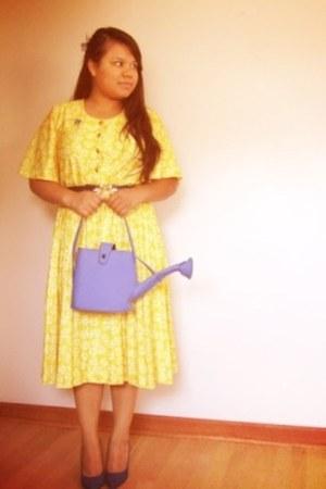 vintage belt - thrifted dress - thrifted vintage purse
