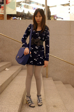 navy cherry print plopherz dress - silver Topshop tights - blue postman bag - pe