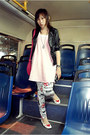 Black-romp-jacket-hot-pink-bag-pants-white-heart-shaped-wondershoe-flats-